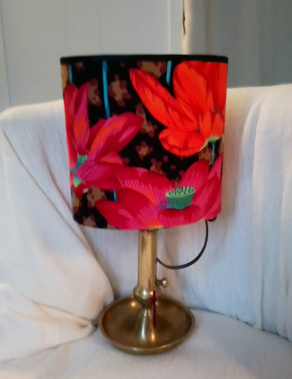 Lampe pied ancien fleurs exotiques
